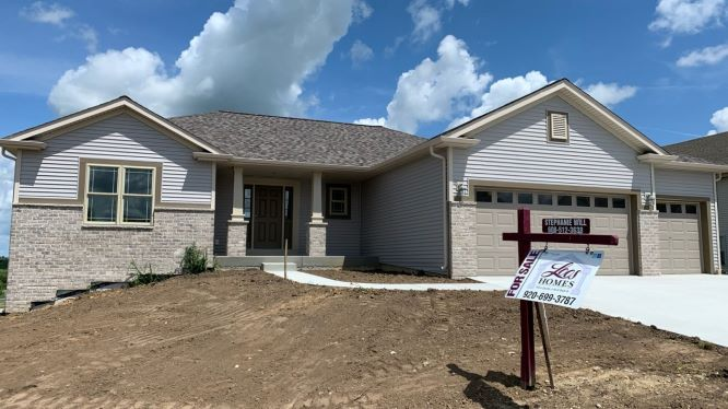 436 Champlain Dr, Morse Farms Highlands, Johnson Creek, Wisconsin, United States 53038, 3 Bedrooms Bedrooms, ,2 BathroomsBathrooms,Home,For Sale,Champlain Dr,1,1236